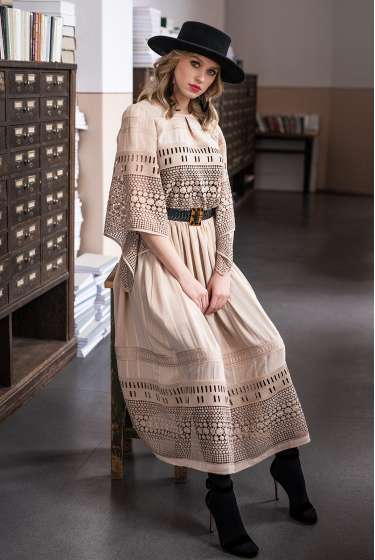 Exquisite nude lace midi dress with belt