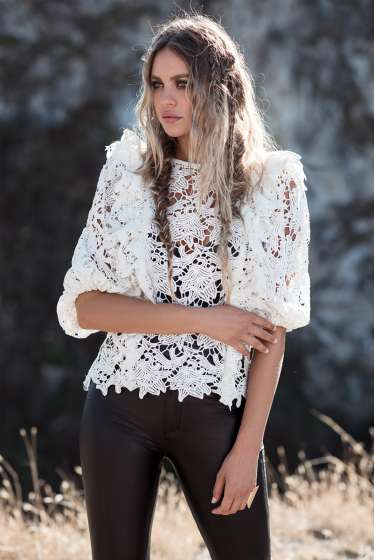 White lace puff sleeves top